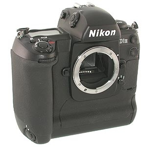 NIKON D1H DIGITAL CAMERA BODY {2.74 M/P} Image 1