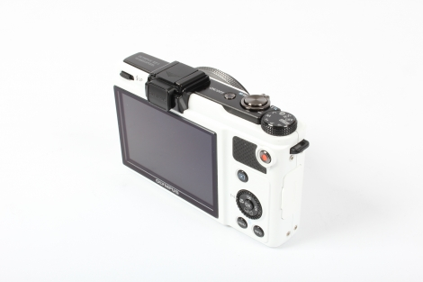 OLYMPUS XZ-1 WHITE DIGITAL CAMERA {10 M/P} Image 4