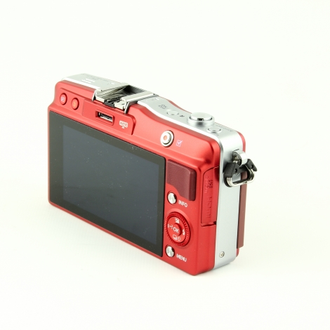 OLYMPUS PEN E-PM2 RED DIGITAL CAMERA BODY {16 M/P} Image 2